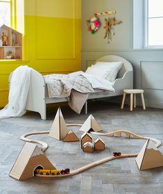 Karton is een veelzijdig materiaal en is veilig voor kinderen om mee te spelen. Bovendien is karton speelgoed lekker goedkoop en creatief.