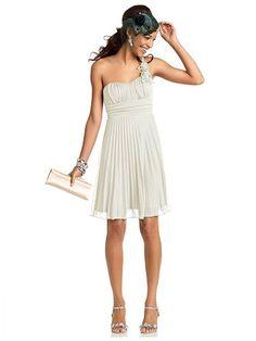 Celebrate your pal's union in this goddess-like dress! #WeddingInspirations #Dresses
