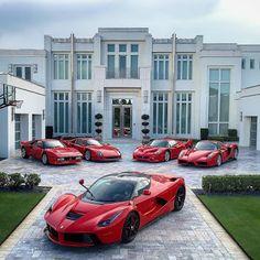 It seems a showroom but it is Ian Poulter's Ferrari Collection: 288GTO, F40, F50, Enzo, LaFerrari
