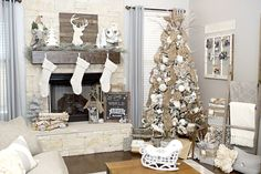 Neutral #ruticChristmasdecor I love this neutral color palette. I especially like the mix of ivory with the greys and whites.