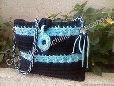 Bolso bicolor de #trapillo por Crochet o ganchillo en Facebook  y  http://crochetoganchillos.blogspot.com