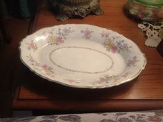 "Syracuse Briarcliff, Federal Shape Oval Serving Platter, 12"" x 9"". $12.00 at dfa0 on ebay, 7/17/16"