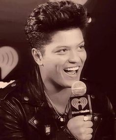 I wish pinterest boards actually made BOARDS to have in my room because my bruno mars one is legit <3 <3 this picture!!!!