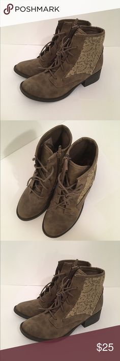 NWOT Candied GIRLS boots Lace detail, zipper closure, KIDS size 4, never worn, new but no box. Reasonable offers considered. Candie's Shoes Combat & Moto Boots