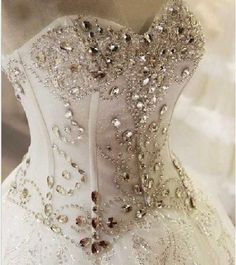 Bling Brides Crystal Wedding Dress Ball Dress With Sweetheart neck and Lace up Back