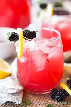 Skinny blackberry lemonade infused with lemon zest, simple syrup, and a fruity blackberry puree. This lemonade is sugar-free, fat-free, and skinny jean friendly!