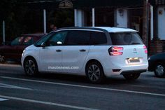 http://www.inautonews.com/spied-citroen-c4-grand-picasso-replacement