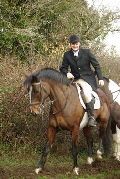 Mike hunting Romeo in Menlo with the Grallagh Harriers