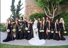 #squadgoals Congrats to Nicole Williams and Larry English on their stunning wedding this weekend! But can we have a moment for this bride and her bridal party!! Loving all the different dresses!! #wags #gorgeous http://gelinshop.com/ipost/1521420677905689585/?code=BUdLAu0gKvx