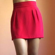 Naven Raspberry Silk Mini Skirt Stop traffic in this raspberry silk mini skirt by Naven. Features a high waist, double pleats at front and back for the perfect silhouette. Wear with a crop and strappy sandals. MSRP $165. New without tags. Fits a tiny bit small like a 0/2. Marked US 2. 100% silk. No returns allowed. Please ask all questions before buying. IG: [at] jacqueline.pak #naven Naven Skirts Mini