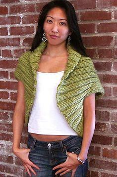 Ravelry: Big Wool Shrug pattern by NellZiroli for Knitch Shrug Knitting Pattern, Knit Shrug, Knitted Cape, Knitted Shawls, Loom Knitting, Knitting Patterns, Knitting Projects, Big Wool, Knitting Accessories