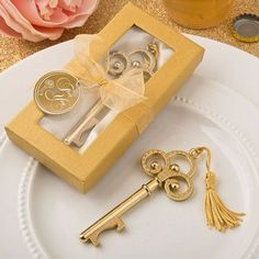 Gold Vintage Skeleton Key Bottle Opener Fashioncraft- A classic skeleton key in gold makes a stunning table decoration and a trendy useful favor when it opens bottles! This opulent favor features a classic skeleton key shape and is crafted from sturd Wedding Favors Unlimited, Unique Wedding Favors, Wedding Party Favors, Wedding Ideas, Wedding Gifts, Wedding Souvenir, Wedding Themes, Wedding Inspiration, Key Bottle Opener