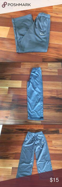 ❤️ boys Nike pants Light wear! Grey sweat pants. Perfect for winter Bottoms Sweatpants & Joggers