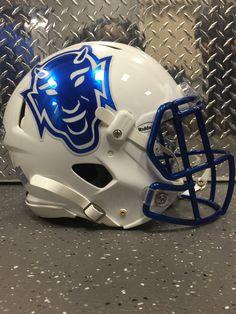 College Football Helmets, Helmet Logo, Sports Helmet, Duke Blue Devils, Football Design, Armor Of God, American Football, Cheerleading, Armour