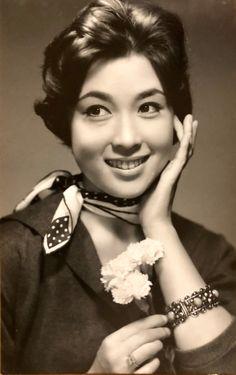 若尾文子 ブロマイド Japanese Icon, Japanese Beauty, Asian Beauty, Old Photos, Vintage Photos, Vintage Costumes, Movie Stars, Actresses, Actors