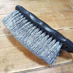 意外!ダイソーのタイヤブラシがお風呂の「床掃除」に最適だった! - 暮らしニスタ