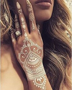 White Henna Temporary Tattoo Stickers Body Paints for Festivals Boho – Samantha Peach US The post White Henna Temporary Tattoo Stickers Body Paints for Music Festivals Bohemian Vibe appeared first on Best Pins for Yours. Henna Tattoo Bilder, Henna Tattoo Muster, Cute Henna Tattoos, White Henna Tattoo, Henna Tattoo Hand, Small Hand Tattoos, Hand Tattoos For Women, Henna Mehndi, Mandala Tattoo