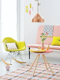 tissu scandinave, pastel, jaune et cuivré, sofa rose minimaliste