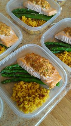 Do you eat this well at home Do you eat this good at home? You could with the Weekly Meal Prep service from Friend that Cooks Home Chef Service. This is a broiled crab stuffed salmon with real saffron Israeli cous cous and steamed asparagus. Lunch Meal Prep, Healthy Meal Prep, Healthy Snacks, Healthy Eating, Healthy Recipes, Dinner Healthy, Detox Recipes, Meal Prep Services, Eat This