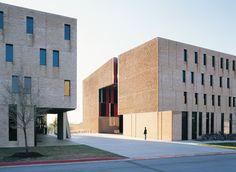 Galería de Nueva residencia y comedores St Edward's University / Alejandro Aravena - 20