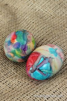 Bright colored sharpies + rubbing alcohol in eye dropper = awesome & easy Easter Egg Deco!