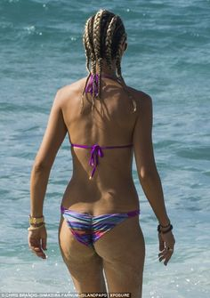 Lady Victoria Hervey shows off her enviably svelte physique in TINY purple bikini as she spends Boxing Day on idyllic Barbados beach   Daily Mail Online