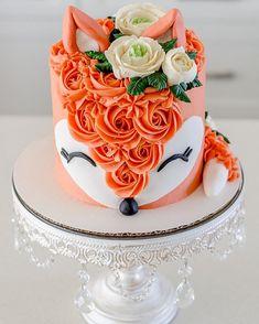 Pretty Cakes, Cute Cakes, Beautiful Cakes, Amazing Cakes, Fondant Flower Cake, Cupcake Cakes, Fondant Rose, Fondant Baby, Fondant Cakes