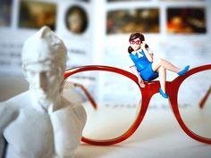 メガネのフチ子さん