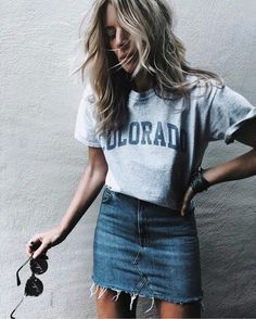 Stylish Denim Skirt Outfits Ideas To Makes You Look Stunning 43 Look Fashion, Fashion Models, Street Fashion, Fashion Trends, Skirt Fashion, Womens Fashion, Modest Fashion, Fashion Outfits, Apostolic Fashion