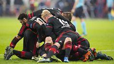 Bayer Leverkusen – AS Rom 4:4 – 8-Tore-Wahnsinn in Leverkusen  http://www.bild.de/sport/fussball/champions-league/tor-wahnsinn-in-leverkusen-43087450.bild.html