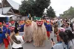 Parade to celebrate 20th Anniversary of Luang Prabang's UNESCO World Heritage Status