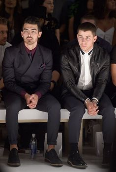 Joe Jonas & Nick Jonas do #NYFW