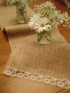 DIY Burlap And Lace Table Runner - Here is an easy DIY project. Simply sew lace onto burlap for cute rustic table runners Sewing Crafts, Sewing Projects, Diy Projects, Burlap Projects, Project Ideas, Burlap Crafts, Diy Crafts, Wedding Decorations, Table Decorations