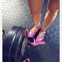 Strong is the new sexy! #Repost @jasminetlo with @repostapp ・・・ PR's in pink  - - #quads #deadlift #pr #gym #fitness #fitfam #quadsquad #girlswithmuscle #girlswholift #nikes #progress #ilovepink #pink #legs #calves #thicklegs #mixedgirl #barbell #liftheavy #liftingstraps @riptoned @sweetsweat #igfitness #igfitgirls