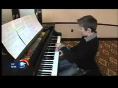 The Next Mozart? 6-Year Old Piano Prodigy Wows All - YouTube