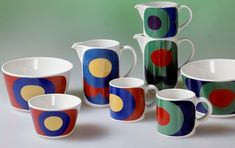Decor by Gunvor Olin-Grönqvist. The model designed by Kaarina Aho. In production between 1968 and in Marimekko, Pottery Painting, Vintage Pottery, Mid Century Design, Finland, Scandinavian, Mid-century Modern, Dishes, Mugs