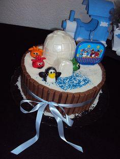 Bolo Club Penguin - Theme Cake  https://www.docemeldoces.com/