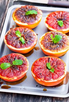 Food Platters, Food Dishes, Fruit Recipes, Cooking Recipes, Party Recipes, Zucchini Parmesan Crisps, Grilled Fruit, I Foods, Healthy Snacks