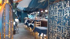 Comedor junto a la barra del Restaurante Kasko