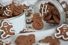 Rewelacyjne pierniczki świąteczne | Wysmakowane.pl Mincemeat, Gingerbread Cookies, Christmas, Food, Baking, Recipes, Gingerbread Cupcakes, Xmas, Essen