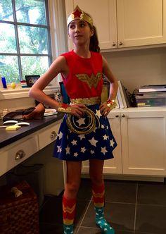 DIY No sew Modest Wonder woman costume for teen/Tweens Superhero Costumes Kids, Little Girl Halloween Costumes, Costumes For Teenage Girl, Halloween Kostüm, Girl Costumes, Costume Ideas, Halloween Makeup, Group Halloween, Group Costumes