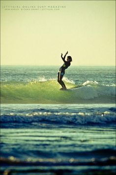 Erin Ashley noseride in NORTH PARK County. Surf photo by Chris Offer, Jettygirl Online Browse Magazine. Snowboard, Sports Nautiques, Water Sports, Surfing Pictures, Longboarding, Huntington Beach, Print Pictures, Nature Pictures, San Diego