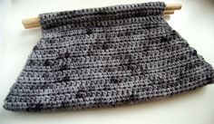 Devotee-Clutch - This looks easy to make and would be great in so many fun color combinations.