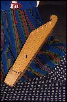 Finnish Costume and Ten-String Kantele of Karen Nelson, Na… | Flickr