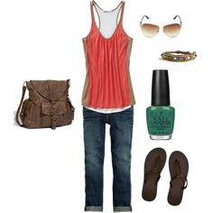 Love this outfit for summer...but that polish needs to be a coral color the green is a no-go