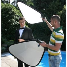 Lastolite Tri-Grip - Silver/White The Lastolite TriGrip allows the photographer to position a reflector using just one hand. The comfortable, accurate moulded handle has a securing strap and allows for easy manipulation of the reflect http://www.comparestoreprices.co.uk/photography-accessories/lastolite-tri-grip--silver-white.asp