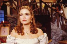 """A atriz Desirée Vignolli De Carvalho na novela """"Que Rei sou Eu?"""" (1989)"""