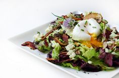 warm mushroom salad with bacon vinaigrette, blue cheese & poached egg