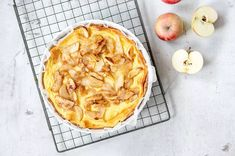 Ihastuttava vaniljainen omenapiiras Joko, Apple Pie, Camembert Cheese, Dairy, Baking, Desserts, Tailgate Desserts, Apple Cobbler, Deserts