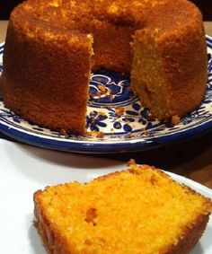 Pumpkin cake: original idea for Halloween - pastry yummy - Gateau Other Recipes, Sweet Recipes, Cake Recipes, Dessert Recipes, Cupcake Cakes, Cupcakes, Portuguese Desserts, Portuguese Food, Mince Pies